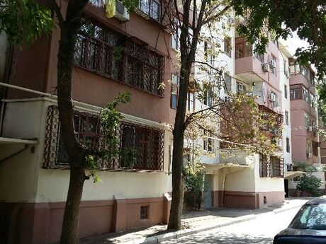 4 otaqlı köhnə tikili - Lökbatan q. - 95 m²