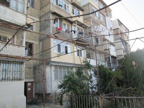2 otaqlı köhnə tikili - Bayıl q. - 73 m²