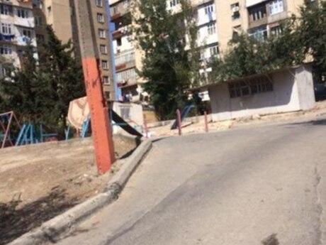 3 otaqlı köhnə tikili - Yeni Günəşli q. - 70 m²