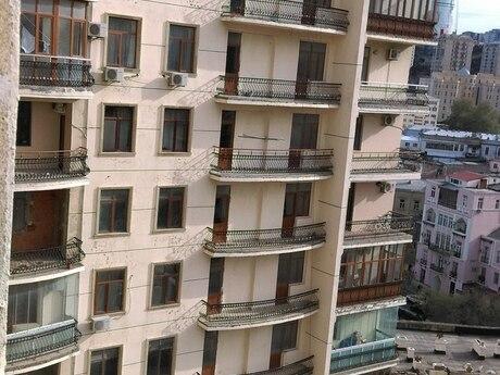 4 otaqlı yeni tikili - İçəri Şəhər m. - 250 m²