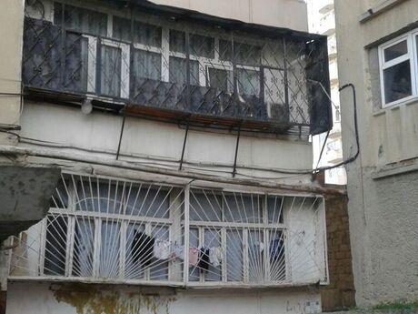 3 otaqlı köhnə tikili - Yeni Günəşli q. - 67 m²
