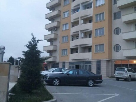 3-комн. новостройка - м. Нефтчиляр - 146 м²