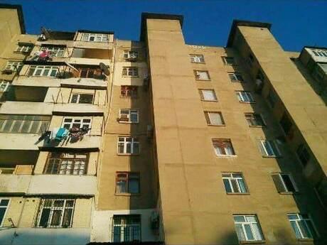 3 otaqlı köhnə tikili - Yeni Günəşli q. - 60 m²