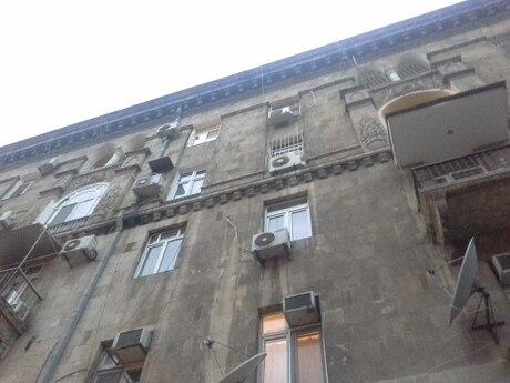 4-комн. вторичка - м. Низами - 110 м²
