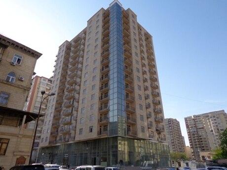 3 otaqlı yeni tikili - Elmlər Akademiyası m. - 166 m²