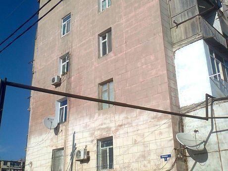 3 otaqlı köhnə tikili - Lökbatan q. - 106 m²