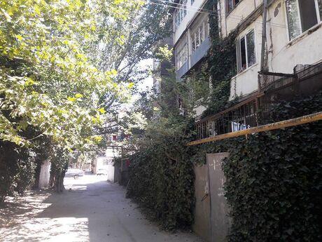 5 otaqlı köhnə tikili - Nəriman Nərimanov m. - 115 m²