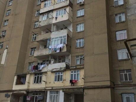 3 otaqlı köhnə tikili - Yeni Günəşli q. - 93 m²