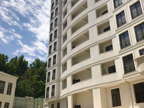 3-комн. новостройка - м. Нариман Нариманова - 125 м²