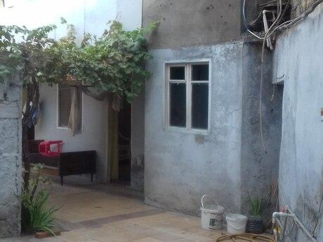 2 otaqlı köhnə tikili - Nizami r. - 20 m²