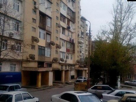 4 otaqlı köhnə tikili - Suraxanı r. - 100 m²
