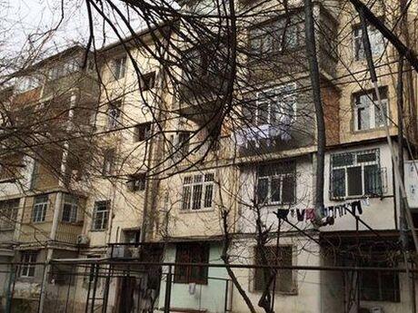 3 otaqlı köhnə tikili - Neftçilər m. - 73 m²