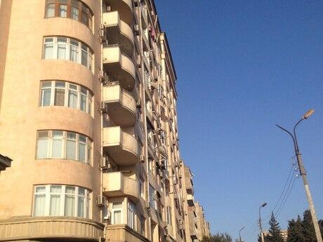 6-комн. новостройка - м. Ахмедлы - 211 м²