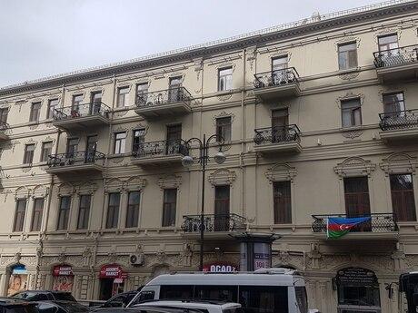 4-комн. вторичка - м. Сахиль - 190 м²