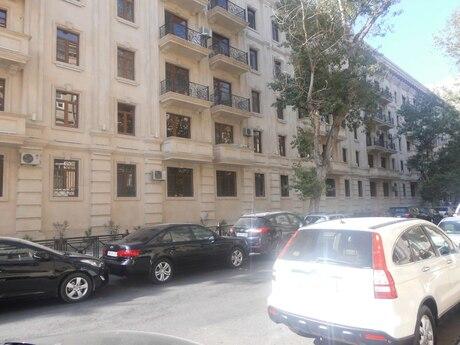 4 otaqlı köhnə tikili - Səbail r. - 110 m²