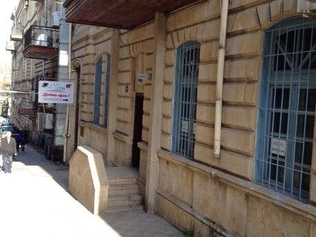 4 otaqlı köhnə tikili - İçəri Şəhər m. - 110 m²