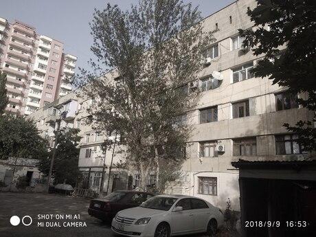 2 otaqlı köhnə tikili - 6-cı mikrorayon q. - 40 m²