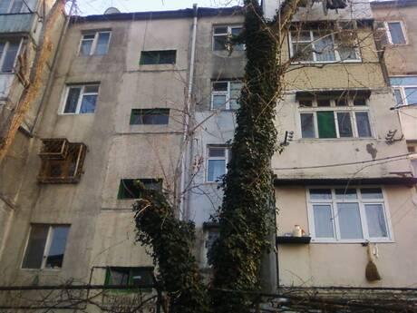 4 otaqlı köhnə tikili - Neftçilər m. - 100 m²