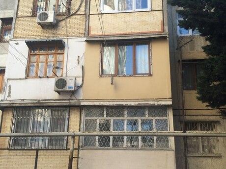 3 otaqlı köhnə tikili - Neftçilər m. - 68 m²
