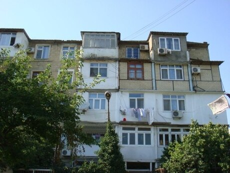 2 otaqlı köhnə tikili - İnşaatçılar m. - 38 m²