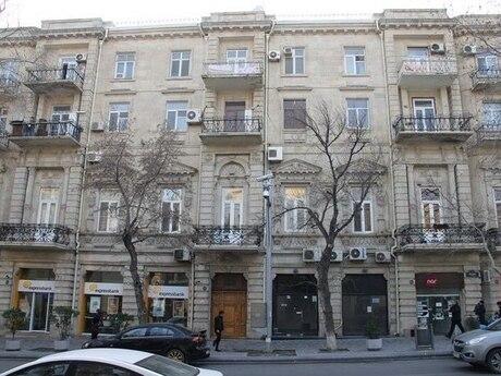 5 otaqlı köhnə tikili - Dostluq kinoteatrı  - 200 m²