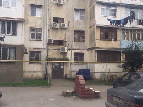 4-комн. вторичка - м. Нефтчиляр - 80 м²