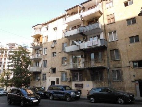 2 otaqlı köhnə tikili - İçəri Şəhər m. - 35 m²