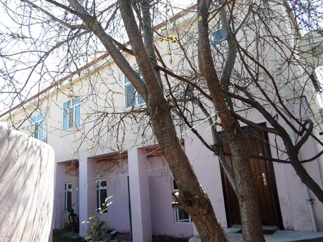 8 otaqlı ev / villa - Azadlıq Prospekti m. - 205 m²