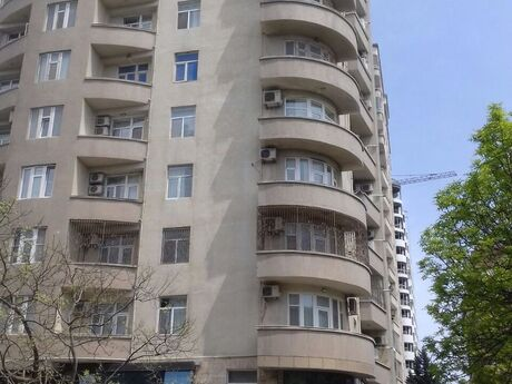 3-комн. новостройка - м. Гянджлик - 135 м²