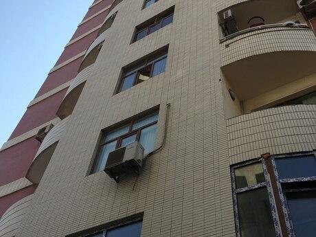 3-комн. новостройка - м. 28 мая - 150 м²