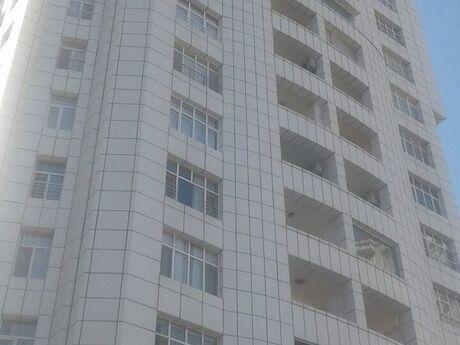 4 otaqlı yeni tikili - Elmlər Akademiyası m. - 188 m²