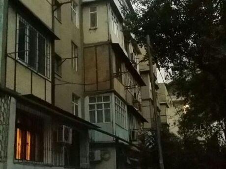 3 otaqlı köhnə tikili - Biləcəri q. - 72 m²