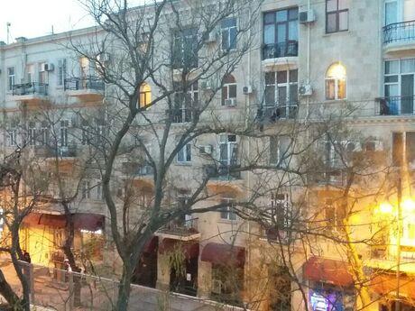 3 otaqlı köhnə tikili - Sahil m. - 98 m²
