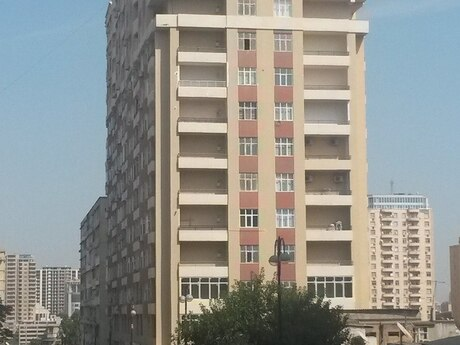 3-комн. новостройка - м. Низами - 150 м²