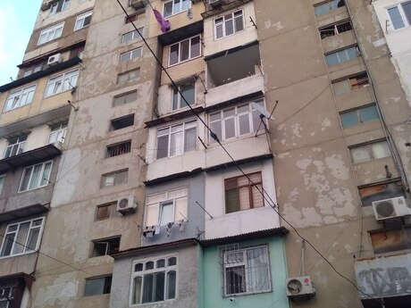 2 otaqlı köhnə tikili - 8-ci mikrorayon q. - 59 m²