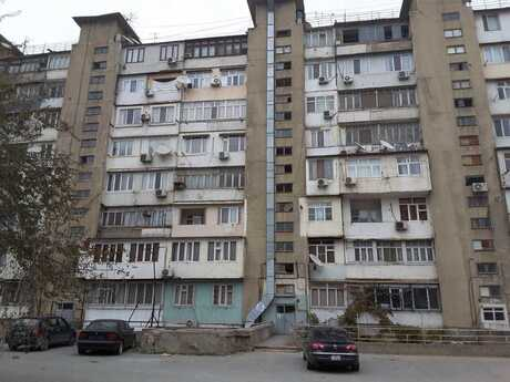 3 otaqlı köhnə tikili - İnşaatçılar m. - 90 m²
