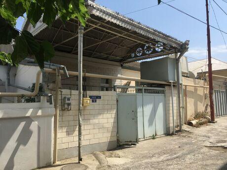 5 otaqlı ev / villa - 8-ci mikrorayon q. - 158 m²