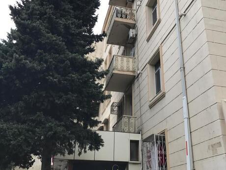 1 otaqlı köhnə tikili - Səbail r. - 45 m²