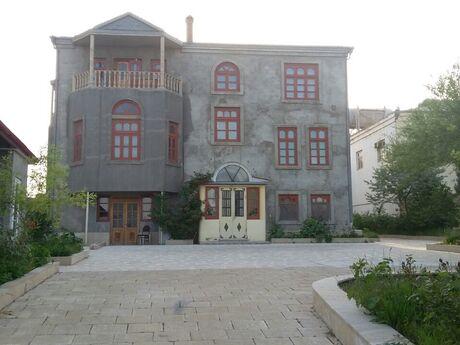 11 otaqlı ev / villa - Badamdar q. - 500 m²