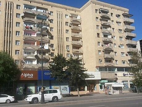 4 otaqlı köhnə tikili - İnşaatçılar m. - 125 m²