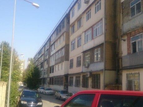 5 otaqlı köhnə tikili - Azadlıq Prospekti m. - 121 m²