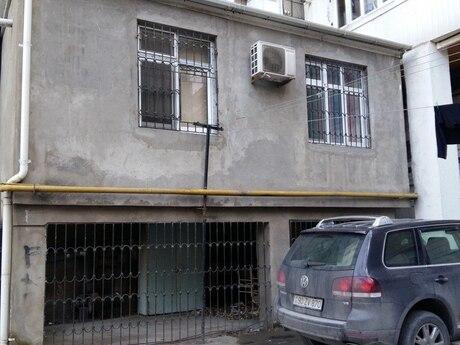 3 otaqlı köhnə tikili - Nərimanov r. - 104 m²