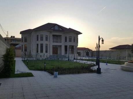 10 otaqlı ev / villa - Sabunçu r. - 700 m²