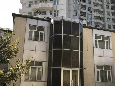 8 otaqlı ofis - Səbail r. - 480 m²