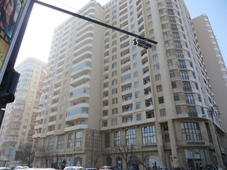4-комн. новостройка - м. Низами - 220 м²