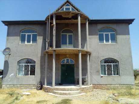 7 otaqlı ev / villa - Binəqədi q. - 320 m²
