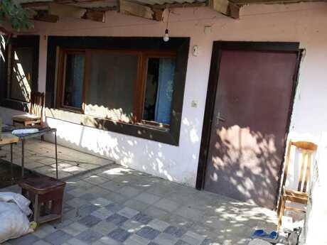 3 otaqlı ev / villa - Nizami r. - 86 m²