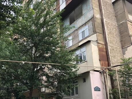 3 otaqlı köhnə tikili - Gənclik m. - 69 m²