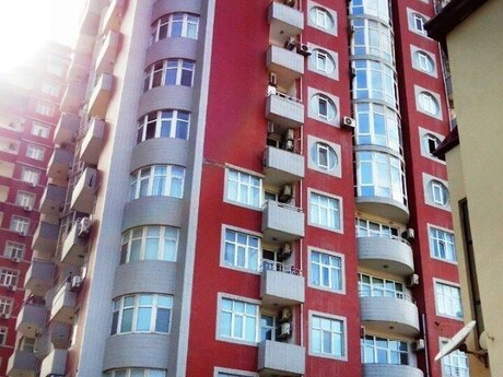 3-комн. новостройка - м. Шах Исмаил Хатаи - 145 м²