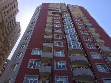 2-комн. новостройка - м. 28 мая - 102 м²